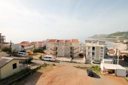 Вид. Черногория, Добра Вода : Студия с балконом с видом на море, 80 метров до пляжа
