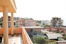 Вид. Черногория, Добра Вода : Студия для 2 человек, с балконом с видом на море, 80 метров до пляжа