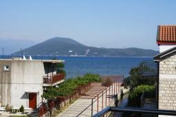 Вид на море. Черногория, Игало : Студия на 3 этаже с балконом и видом на море, на вилле с бассейном