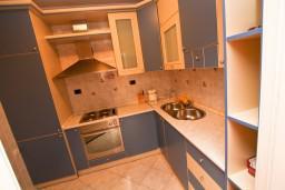 Кухня. Черногория, Бар : Апартамент для 4-6 человек, 2 отдельные спальни