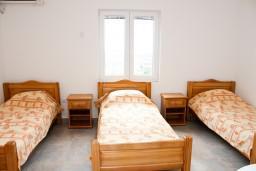 Студия (гостиная+кухня). Черногория, Бар : Студия в Баре в 600 метрах от моря