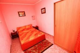 Студия (гостиная+кухня). Черногория, Шушань : Большая студия для 3-4 человек, 50 метров до моря