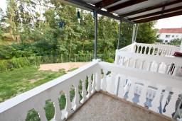 Балкон. Черногория, Шушань : Cтудия для 3 человек, 50 метров до моря