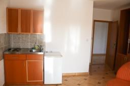 Гостиная. Черногория, Шушань : Апартамент для 4-5 человек, с отдельной спальней