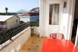 Балкон. Черногория, Шушань : Апартамент для 4-5 человек, с отдельной спальней