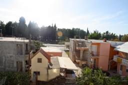 Вид. Черногория, Шушань : Апартамент для 4-5 человек, с отдельной спальней
