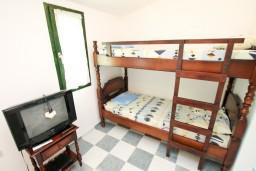 Студия (гостиная+кухня). Черногория, Чань : Студия для 4 человек