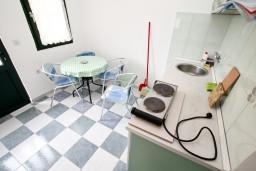 Кухня. Черногория, Чань : Студия для 4 человек