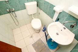 Ванная комната. Черногория, Чань : Студия для 4 человек