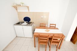 Гостиная. Черногория, Чань : Апартамент с отдельной спальней с балконом в 600 метрах от моря