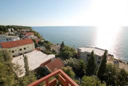 Вид. Черногория, Сутоморе : Двухуровневый апартамент для 5 человек, 2 отдельные спальни, с террасой с шикарным видом на море, 50 метров до пляжа