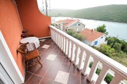 Балкон. Черногория, Бигова : Студия для 3-4 человек, с балконом с видом   на море, 50 метров до пляжа