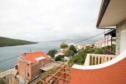 Вид на море. Черногория, Бигова : Студия для 3-4 человек, с балконом с видом   на море, 50 метров до пляжа