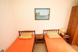 Студия (гостиная+кухня). Черногория, Бигова : Студия с террасой с видом на море, 50 метров до пляжа