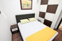 Студия (гостиная+кухня). Черногория, Бигова : Студия для 2 человек, с террасой с видом на море, 50 метров до пляжа