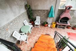 Терраса. Черногория, Бигова : Студия для 2 человек, с террасой с видом на море, 50 метров до пляжа