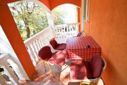 Балкон. Черногория, Лепетане : Студия для 3 человек, с балконом с видом на море, 20 метров до пляжа