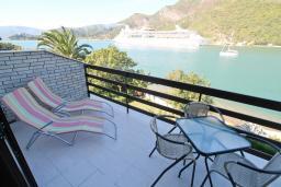 Балкон. Черногория, Лепетане : Студия для 4 человек, с балконом с шикарным видом на море, 20 метров до пляжа