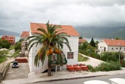 Черногория, Доня Ластва : Студия для 2-3 человек, с балконом с видом на море, 80 метров до пляжа