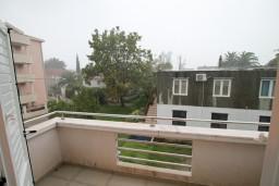 Балкон. Черногория, Доня Ластва : Апартамент с отдельной спальней, 60 метров до моря