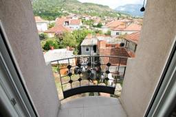 Балкон. Черногория, Тиват : Современная студия возле городского причала