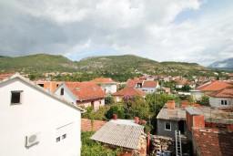 Вид. Черногория, Тиват : Современная студия возле городского причала