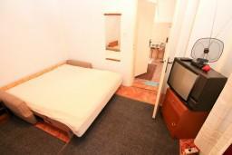Студия (гостиная+кухня). Черногория, Селяново : Студия для 3 человек, возле пляжа