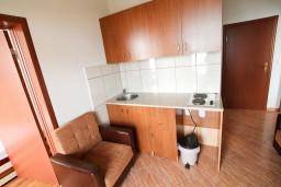 Гостиная. Черногория, Ульцинь : Апартамент для 5-6 человек, с 2-мя отдельными спальнями, с балконом с шикарным видом на море