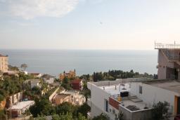 Черногория, Ульцинь : Большая комната для 3 человек, с балконом с шикарным видом на море