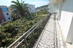 Балкон. Черногория, Велика плажа : Апартамент для 5 человек, с 2-мя отдельными спальнями, с 2-мя ванными комнатами
