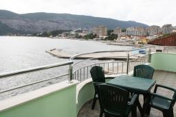 Вид. Черногория, Игало : Апартамент с видом на море, прямо на пляже