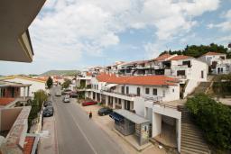 Вид. Черногория, Ульцинь : Комната для 3 человек, с общей кухней