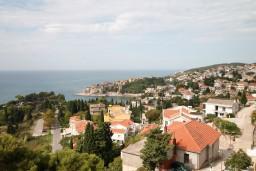 Вид на море. Черногория, Ульцинь : Комната для 4 человек, с общей кухней, с балконом с шикарным видом на море