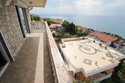 Балкон. Черногория, Ульцинь : Большая студия с балконом с шикарным видом на море