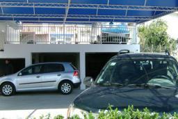 Парковка. Adria 2* в Шушани