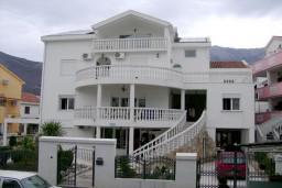 Фасад дома. Nikolic 4* в Будве