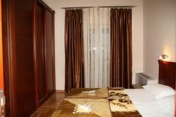 Спальня. Черногория, Будва : Апартамент с 2-мя спальнями и видом на море (№ 19 APP 04+1 SV)