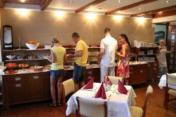 Кафе-ресторан. Bella Vista 4* в Бечичи