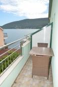 Балкон. Черногория, Игало : Студия с видом на море, прямо на пляже