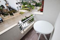 Вид. Черногория, Шушань : Уютный апартамент с отдельной спальней