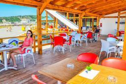 Кафе-ресторан. Bellevue 2* в Велика плажа
