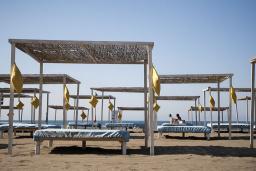 Ближайший пляж. Otrant 4* в Велика плажа