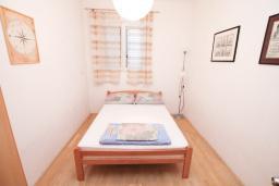 Спальня 2. Черногория, Герцег-Нови : Апартамент для 4-6 человек, с 2-мя отдельными спальнями
