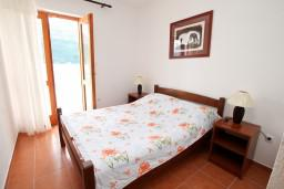 Спальня 2. Черногория, Дражин Врт : Апартамент с 2-мя отдельными спальнями, с большой террасой с шикарным видом на море