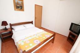Студия (гостиная+кухня). Черногория, Дражин Врт : Студия с большой террасой с шикарным видом на море