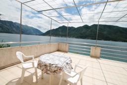 Вид на море. Черногория, Дражин Врт : Студия с большой террасой с шикарным видом на море