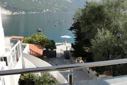 Вид на море. Черногория, Костаньица : Апартамент с отдельной спальней, с балконом с видом на море