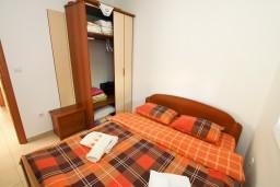 Спальня 2. Черногория, Петровац : Современный апартамент для 4-6 человек, 2 спальни