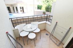 Балкон. Черногория, Петровац : Студия с балконом в 50 метрах от моря