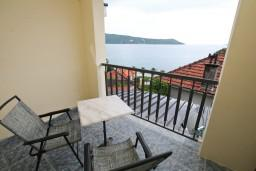 Балкон. Черногория, Герцег-Нови : Студия в Савина с балконом с видом на море